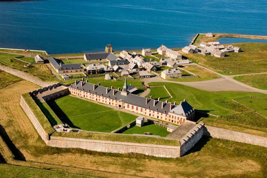 Fortress-Of-Loisbourg-National-Historic-Site.jpg